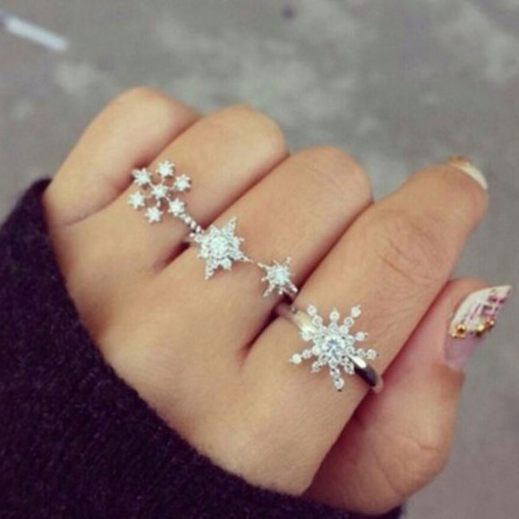 jewels ring snowflakes