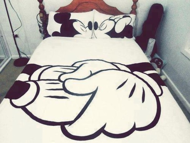 Sweater mickey mouse minnie mouse bedroom bedding pajamas disney mickey white black - Cute bed sets tumblr ...