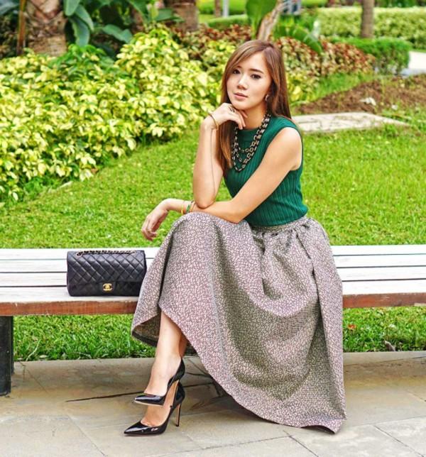 top vest skirt summer outfits streetstyle stylemoi elegant