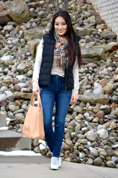 sensible stylista blogger shoes jeans bag jacket sweater scarf quilted vest black vest nude bag white sweater tartan scarf denim blue jeans white sneakers sneakers
