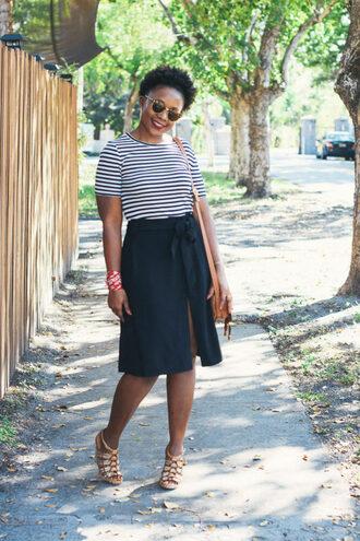 pinksole blogger sunglasses jewels t-shirt skirt shoes bag striped top shoulder bag navy skirt sandals spring outfits