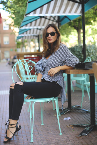 lady addict blogger jeans shoes bag black ripped jeans zara