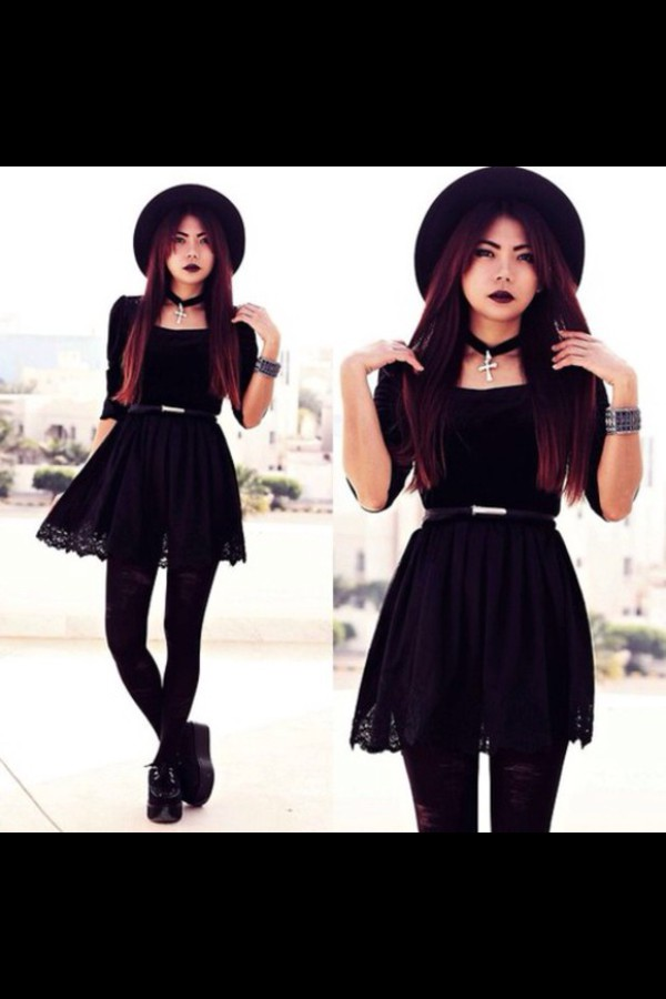dress black goth hipster alternative rock cute dress cute shoes felt hat black dress belt jewels necklace bracelets