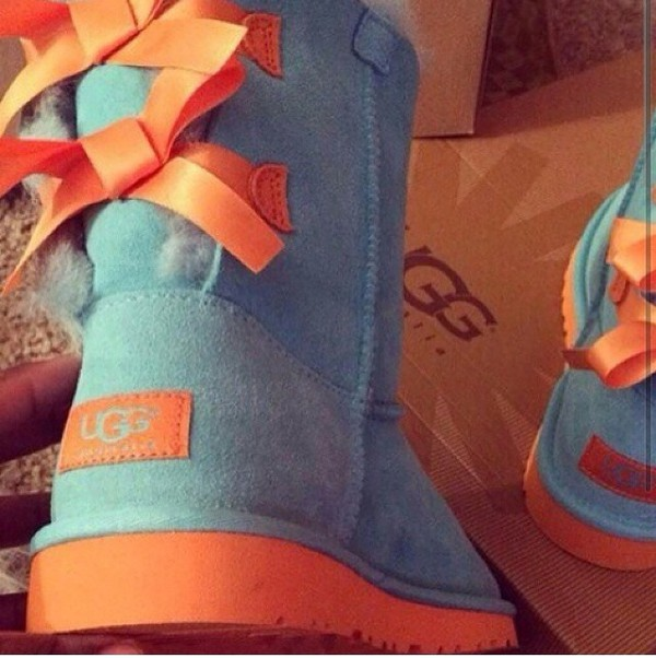6658b9eb9fb NEW UGG BOOTS UGGS GIRLS TODDLER 7 KIDS MINI BAILEY BOW TURQUOISE ...