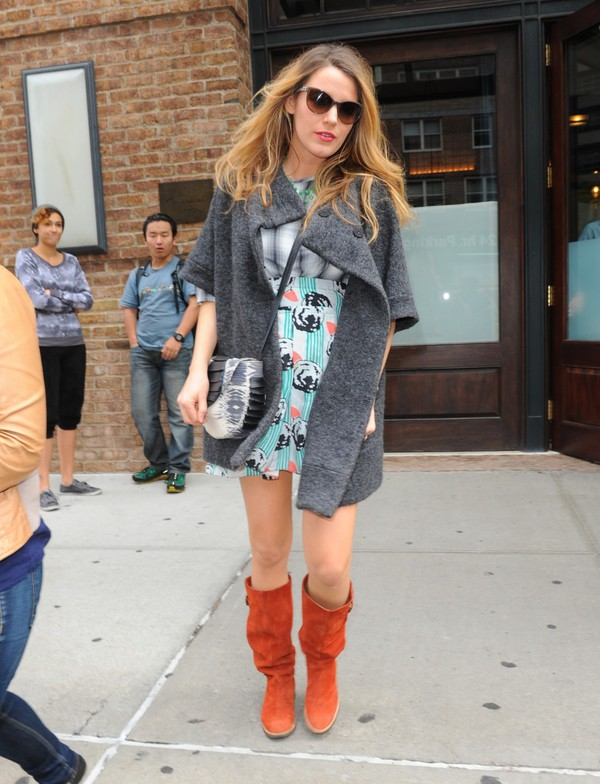 skirt top boots blake lively coat fall outfits
