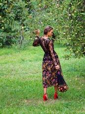 gvozdishe,blogger,dress,bag,shoes,sunglasses,red heels,midi dress