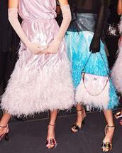 dress,pink dress,bag,pink bag