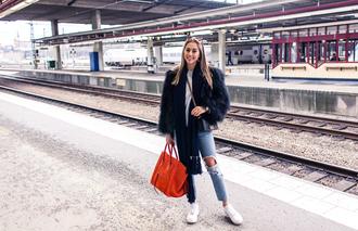 kenza blogger red bag celine bag ripped jeans faux fur jacket