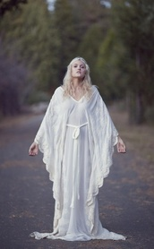 dress,white,magic,beautiful,dream,elf,witch,long,long dress,wide arm,love,indie,gypsie,india love,all white everything,bohemian,gypsy,wedding dress