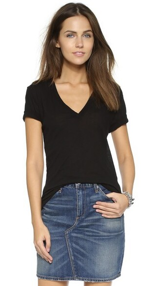 v neck black top