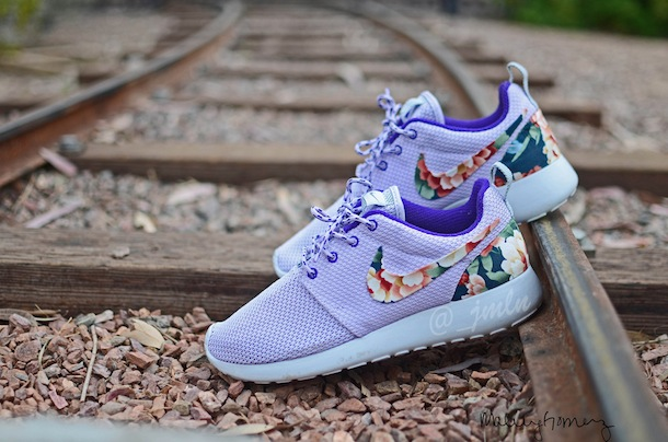 womens roshe run floral
