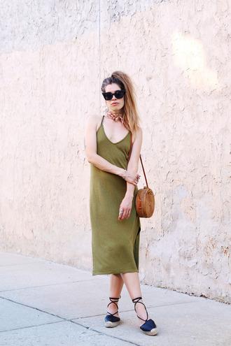 orchid grey blogger dress bag sunglasses shoes jewels green dress round bag espadrilles midi dress