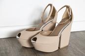 shoes,high heels,platform shoes,nude,peep toe,ankle strap,metal piping,sandals,heels