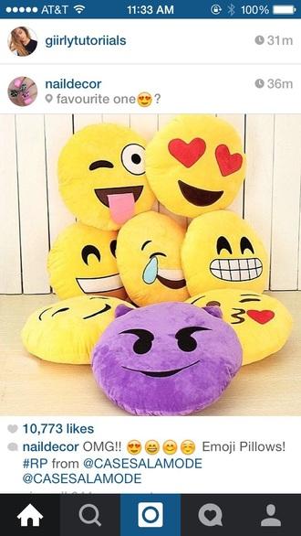 home accessory emoji print emoji pants emoji crop top emoji tee emoji pajamas yellow bedroom tumblr instagram pinterest youtube