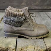 boots,short,short boots,shoes,hiking,boot,nature
