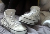 shoes,kawaii,wings,wing,angel wings,wing shoes,winged,cute,cool,retro,dope,pastel grunge,grunge,soft grunge,lovely,white. white and black,converse,high top,low top,chuck taylor all stars,white converse,low top sneakers,sneakers,white sneakers,white,black,high top converse