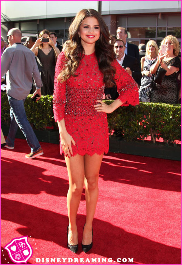 dress red selena gomez red carpet dress