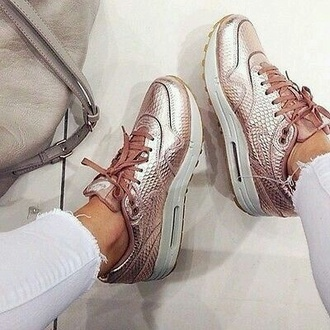 shoes nike air max nike shoes nike running shoes nike air sneakers sportswear outfit style blogger