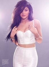 top,kylie jenner,bustier,white,all white everything,pants,editorial,celebrities in white,spring,summer