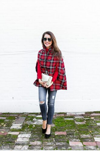dallas wardrobe // fashion & lifestyle blog // dallas - fashion & lifestyle blog blogger jeans shoes bag sweater sunglasses cape fall outfits high heel pumps