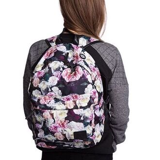 bag roses floral flowers backpack printed backpack printed bag sweater streetwaer streetwear streetstyle roses bag rucksack fusion