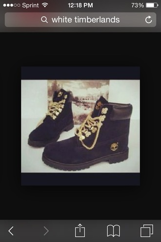 shoes black timberlands gold chain