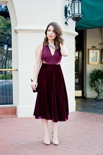 champagne&citylights blogger dress shoes jewels party dress cocktail dress burgundy dress velvet dress pumps