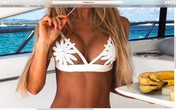 top bralette bikini