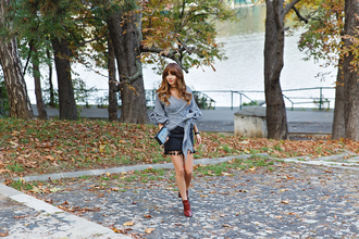 the mysterious girl blogger top skirt shoes bag jewels