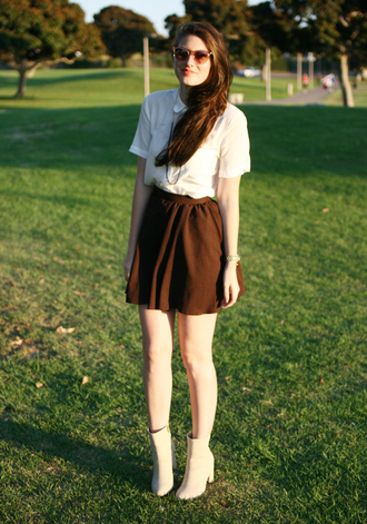 skirt shoes jewels blouse these days