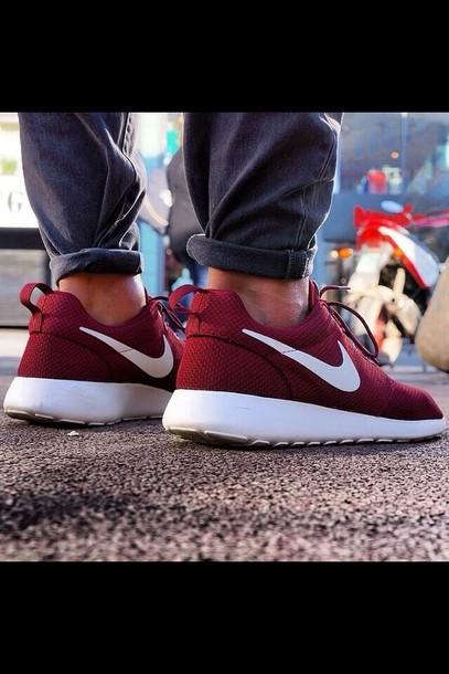 shoes, nike roshe run, burgundy, white