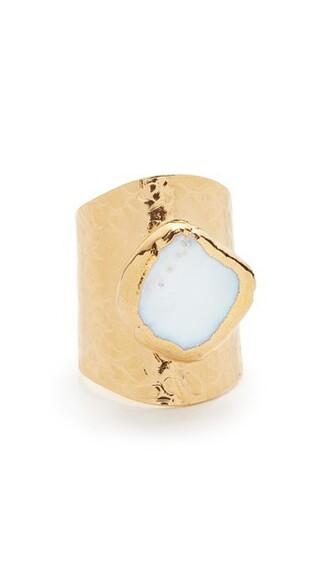 pearl ring jewels