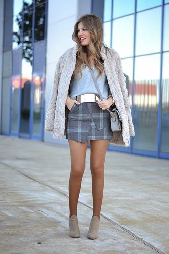 blogger bag mi aventura con la moda belt faux fur asymmetrical mini skirt