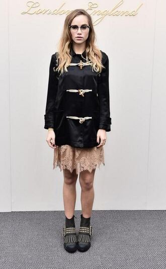 coat dress boots suki waterhouse fashion week 2016 london fashion week 2016 skirt