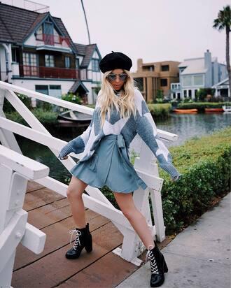 hat skirt tumblr beret sunglasses sweater stars grey sweater mini skirt wrap skirt boots black boots high heels