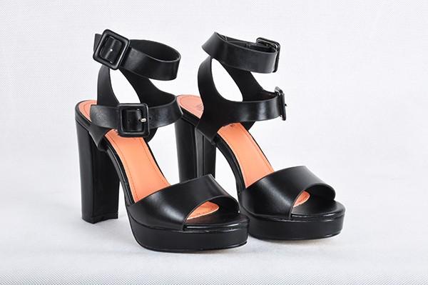 czarne sandały Vanessa - Sandały