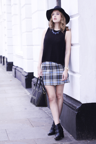 bag top necklace blogger fall outfits at fashion forte tartan skirt