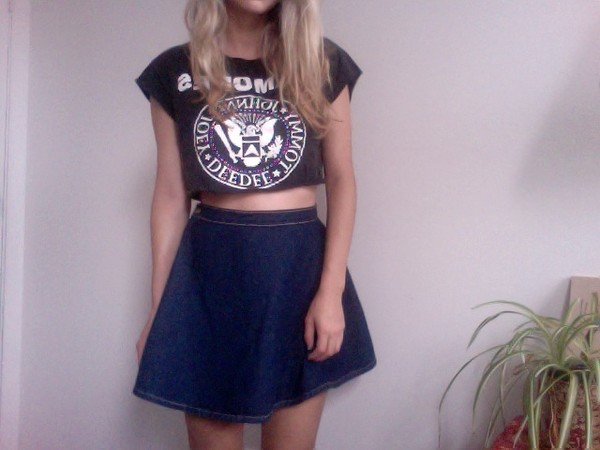 skirt high waisted skirt blue denim blue denim high waisted skirt shirt crop shirt crop tops black crop top white letters