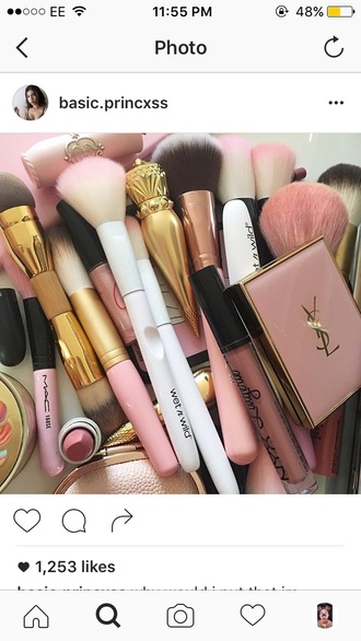 make-up makeup brushes ysl mac cosmetics pink soft fluffy gold