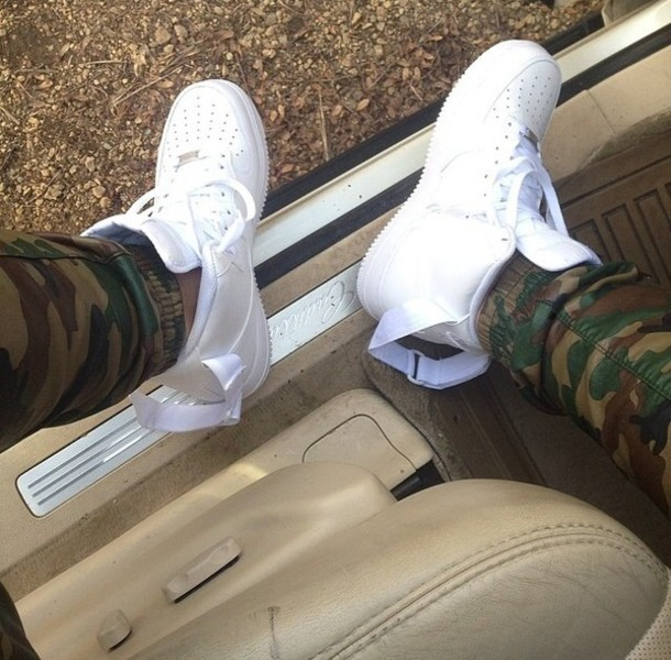 Nike Air Force 1 High With Joggers