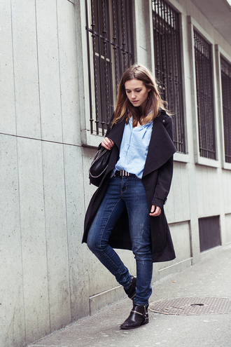 fashion gamble blogger jeans black coat blue shirt