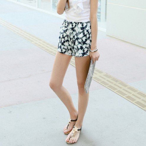 Palm tree pattern shorts
