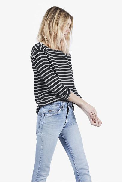le fashion image blogger short hair striped top acid wash jeans t-shirt