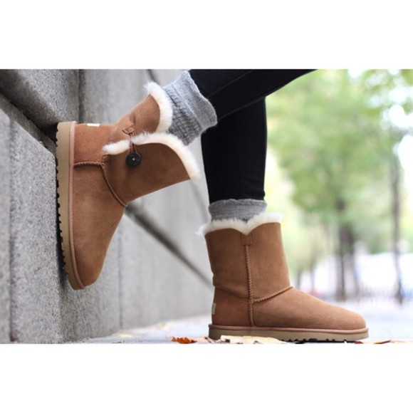 shoes brown shoes boots ugg boots cute shoes love them