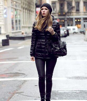 jacket black beanie black puffer jacket black jeans black bag blogger