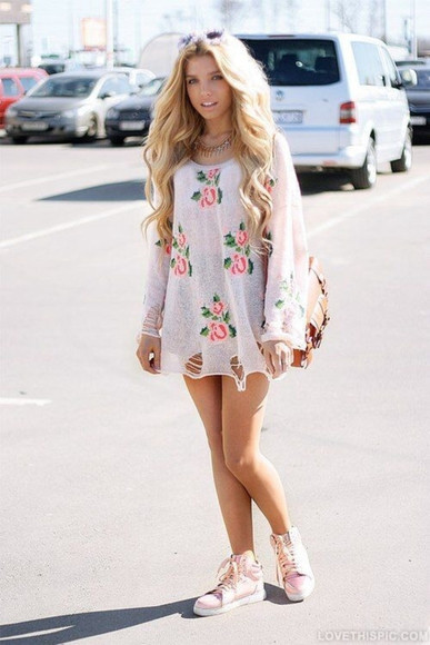 t-shirt dress outfit ootd summer outfits top girly blouse white shirt pink flowers print summer dress summer top flowered print outfits fashion