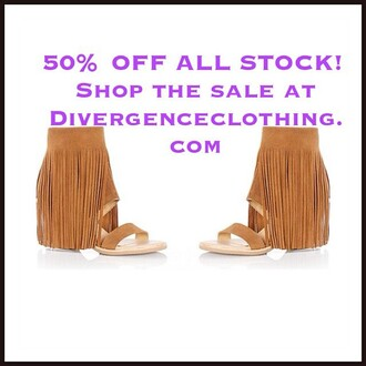 shoes divergence clothing koolaburra koolaburra fringe sandal fringes fringe sandal fringe sandals wedges brown wedges fringe heels boho chic festival koolaburra piaz music festival