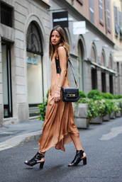 fashion vibe,long dress,summer dress,nude dress,cut out shoes,peep toe boots,rust,nude,date outfit