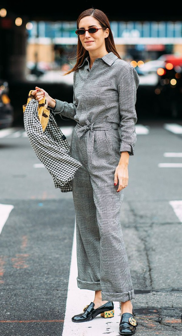 jumpsuit grey jumpsuit long sleeves streetstyle shoes black shoes sunglasses