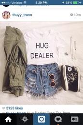 t-shirt,white shirt hug dealer,jacket